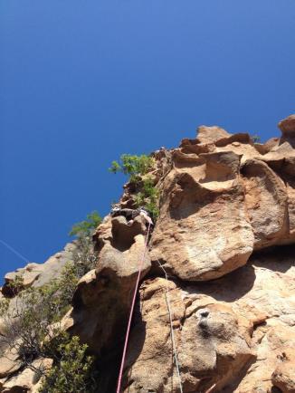 Capu d'Ortu, le fil de l'épée - La première longueur est la plus soutenue. 6a+, magnifique