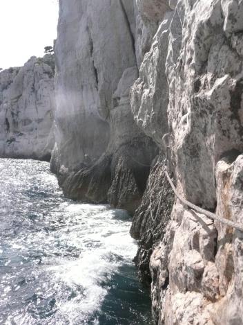 Dans la traversée Tabarly, on passe souvent très près de l'eau