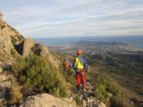 La descente, avec en arrière plan Alicante. Deux mondes bien différents!