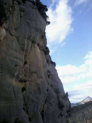 Dans le haut de la voie, vue sur les couennes voisines