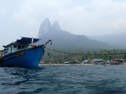 Les Dragon's Horn, vues depuis le ponton de Mukut