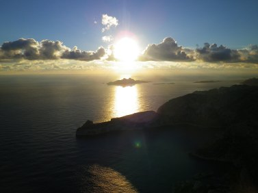 Vue sur l'île de Riou et le cap Morgiou