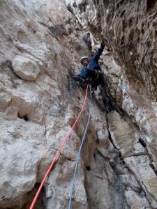 Dans la fameuse cheminée déversante, l'escalade est pourtant facile!