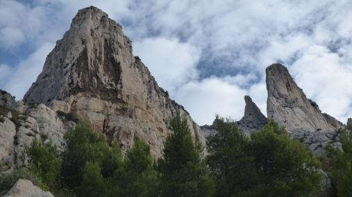 Durant l'approche, vue sur la Cathédrale, le Candellon et la Grande Candelle