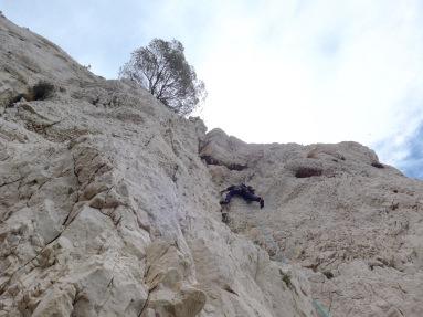 Première longueur du pilier Mika. Le rocher est très solide!